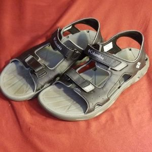 Columbia strappy sandals boys sz 6